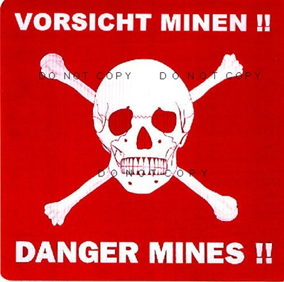 Bild von GERMAN ANTI-MINE POSTER WITH SKULL & CROSSBONES