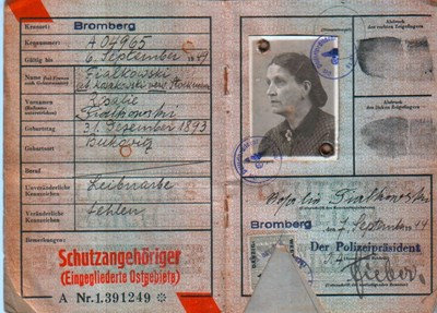 Picture of KENNKARTE #33 -SCHUTZANGEHÖRIGE BROMBERG  (issued 07 September 1944)