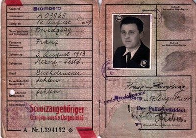 Picture of KENNKARTE #76 - SCHUTZANGEHÖRIGE BROMBERG (issued 17 August 1944)