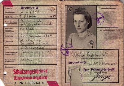 Picture of KENNKARTE (#113) - SCHUTZANGEHÖRIGE BROMBERG  (issued 10 October 1944)