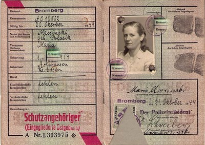 Picture of KENNKARTE (#116) - SCHUTZANGEHÖRIGE BROMBERG  (issued 21 October 1944)